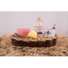 Dárkový koš březové kosmetiky Be2la® - 1 mýdlo, masážní olej, koule do koupele/srdíčka, pytlíček levandule